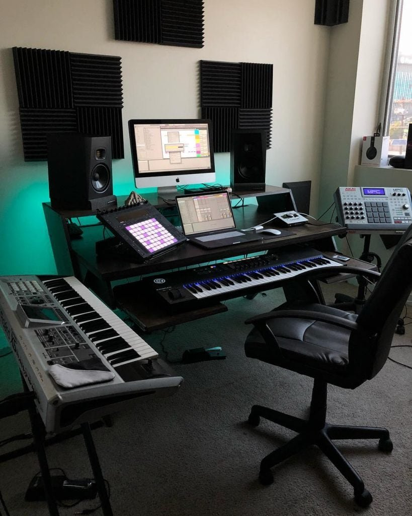- 11 Awe-Inspiring Producer Setups That Make Amazing Use Of Space